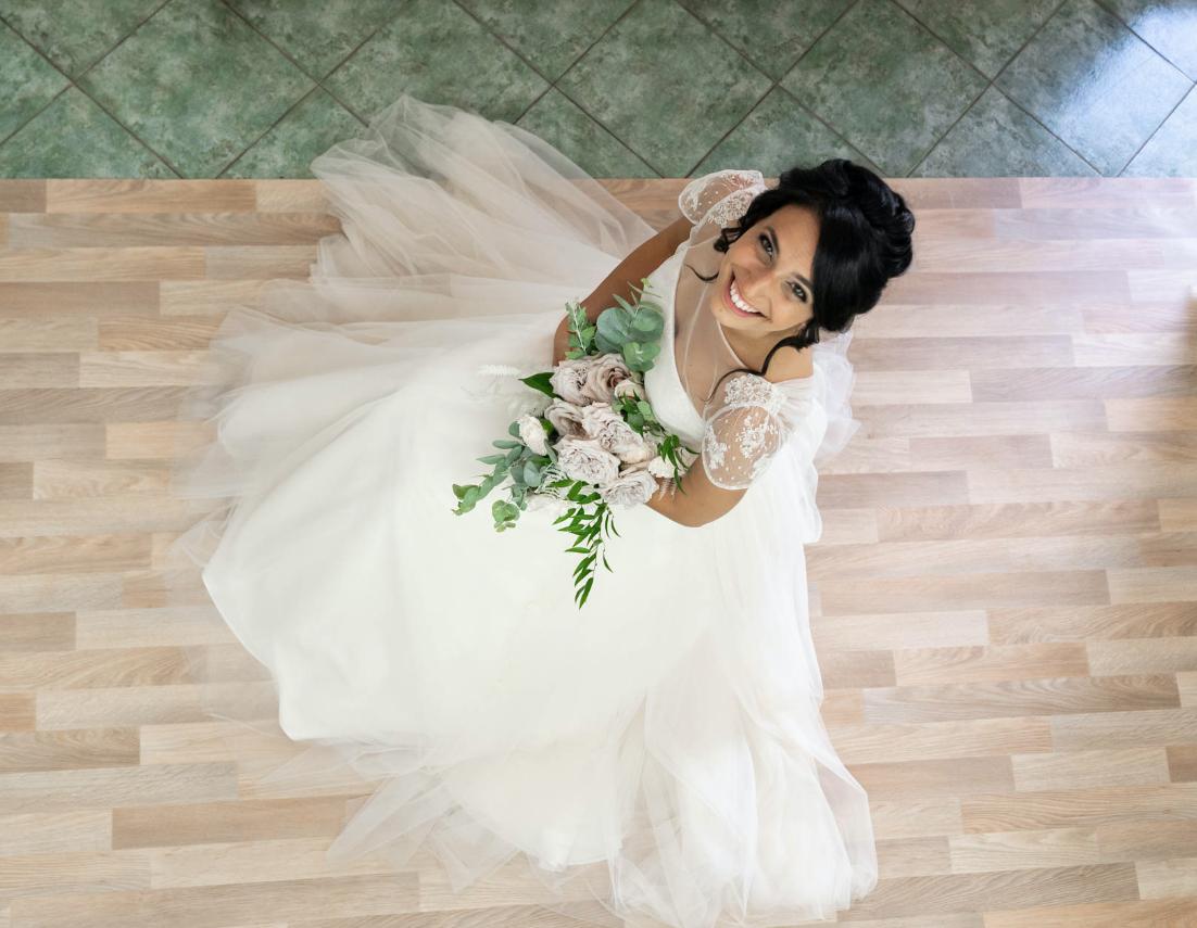In questa foto Martina, la sposa di Couture Hayez che ha vissuto una prova finale dell'abito speciale