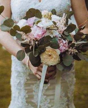 Filly Floral Designer, composizioni floreali per matrimoni di classe