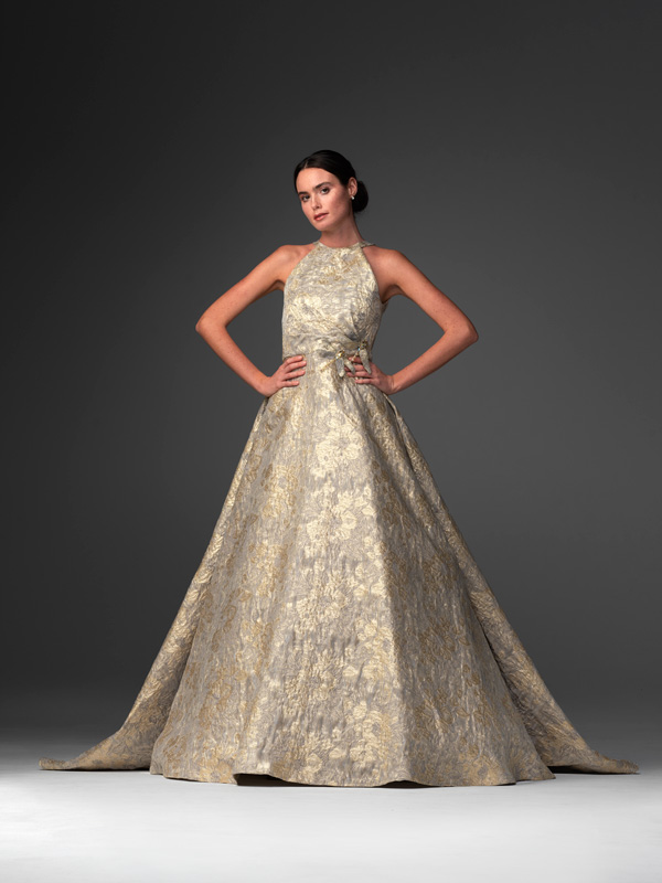 In questa foto il modello Soraya della collezione di abiti da sposa Chiara Vitale 2021
