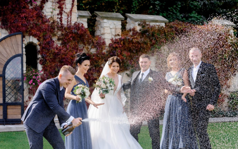 Invitati al matrimonio: la tua guida per nozze a prova di cortesie per gli ospiti!