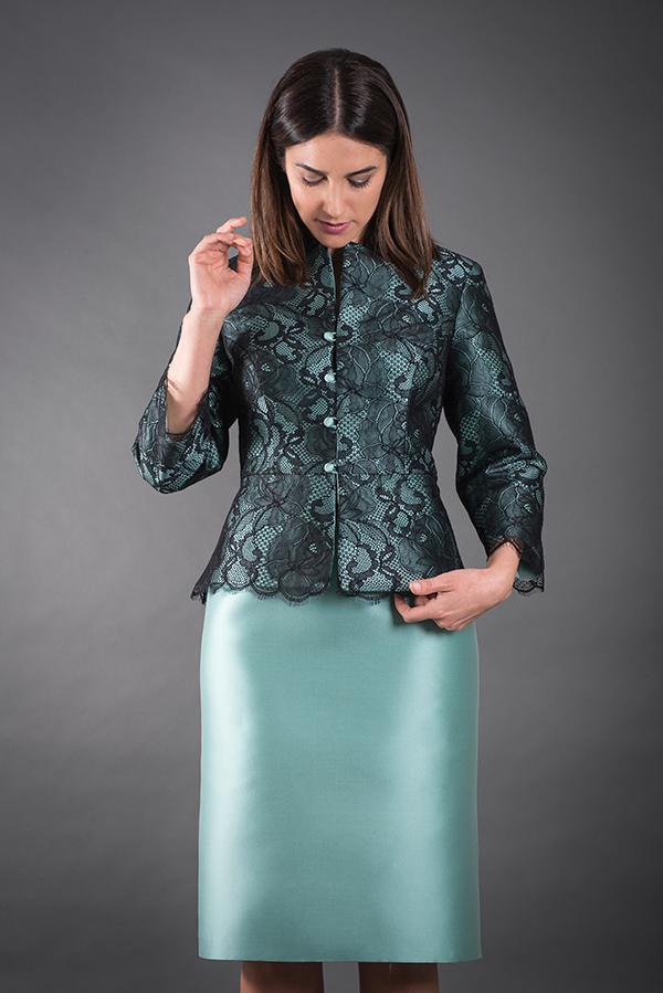 Un tubino con giacca, un'idea per la mamma della sposa