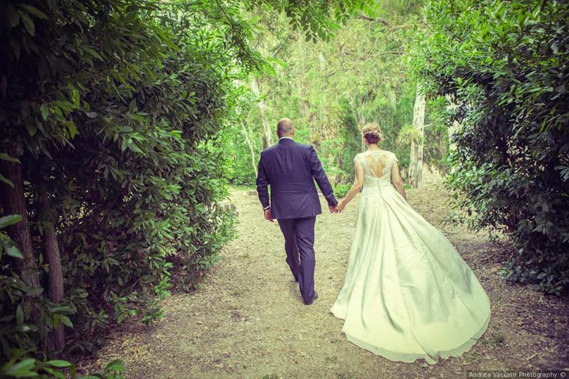 In questa foto una real bride vestita da Benedetta Laboratorio Moda