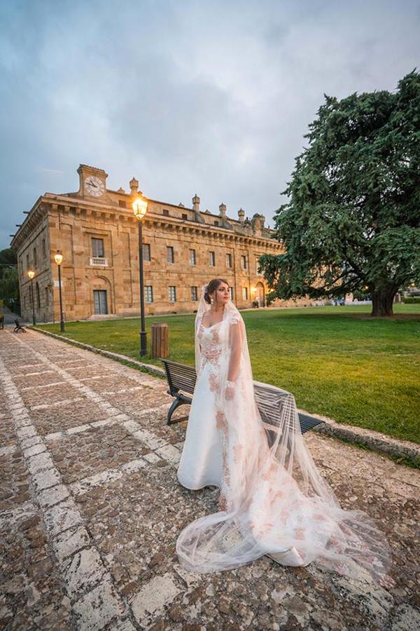 Una real bride con un modello disegnato per lei da Benedetta Passalacqua