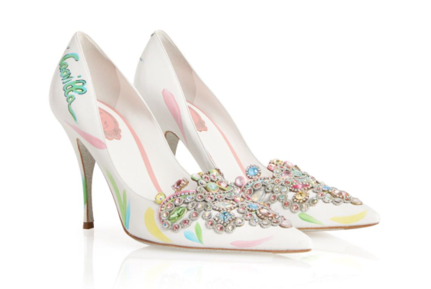 In questa foto un paio di scarpe da sposa alternative firmate René Caovilla