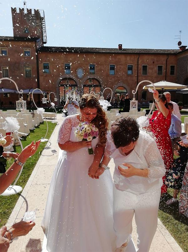 In questa foto un'unione civile organizzata da Over The Rainbow Wedding