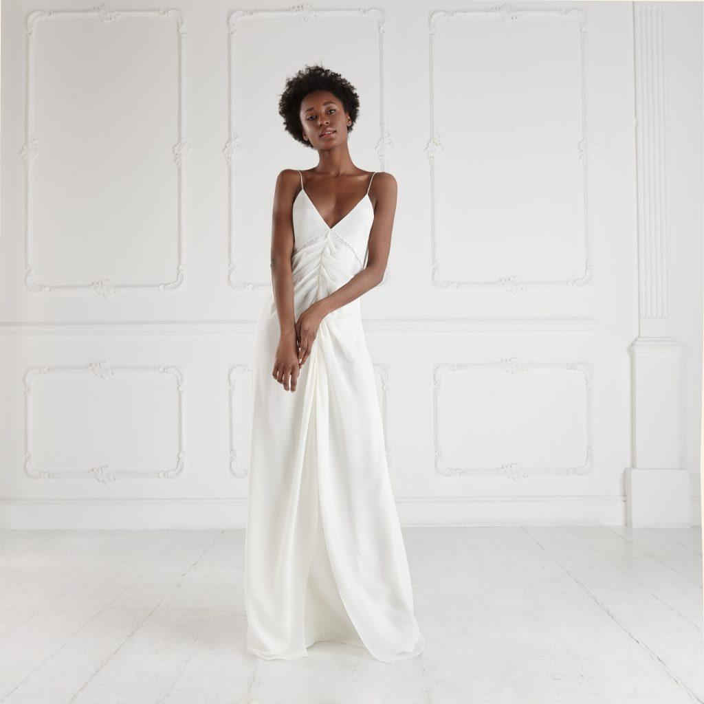 Un delicato abito da sposa della collezione 2022