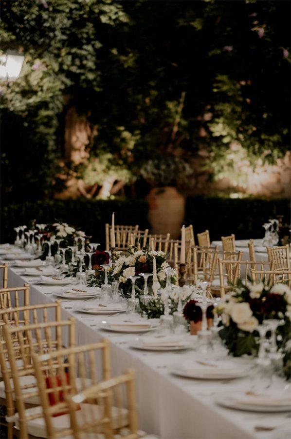 Tavoli imperiali e mise en place molto curate per il ricevimento del matrimonio di Martina e Salvo