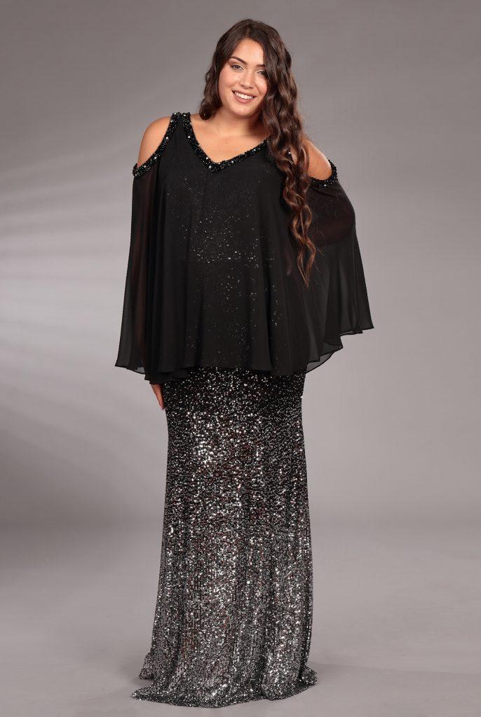 In questa immagine un abito sparkling della collezione Curvy girl di Musani 2021