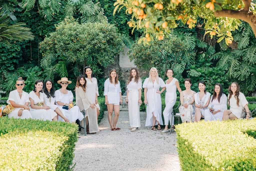 In questa foto di gruppo le Wedding Planner in posa per uno scatto realizzato durante Dreaming of Sicily a Taormina