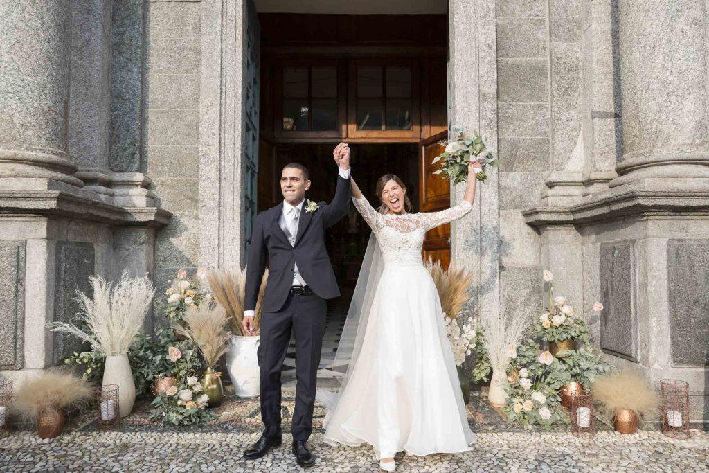 In questa foto dello studio Ordine della Giarrettiera l'uscita degli sposi dalla chiesa