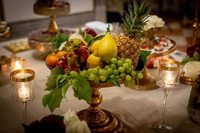 Tavolo allestito per una proposta di matrimonio a cena