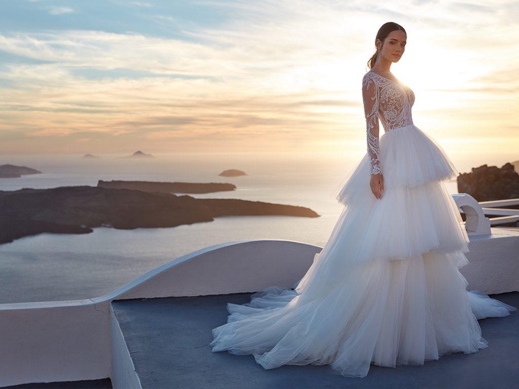 In questa foto un abito della collezione Nicole Jolies 2022