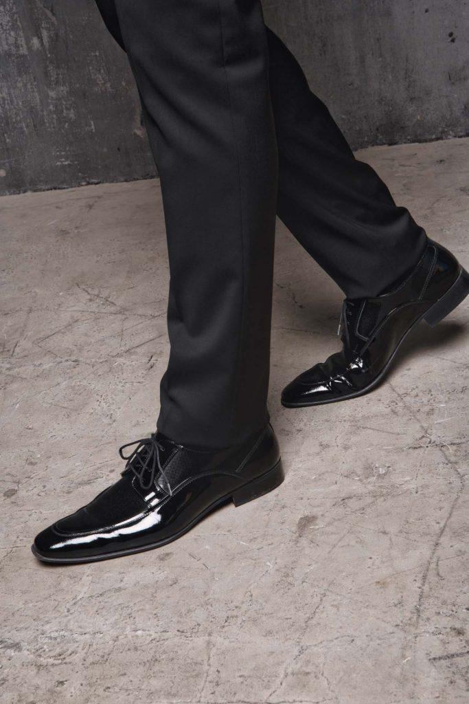 In questa foto un modello di scarpe della nuova collezione della maison italiana