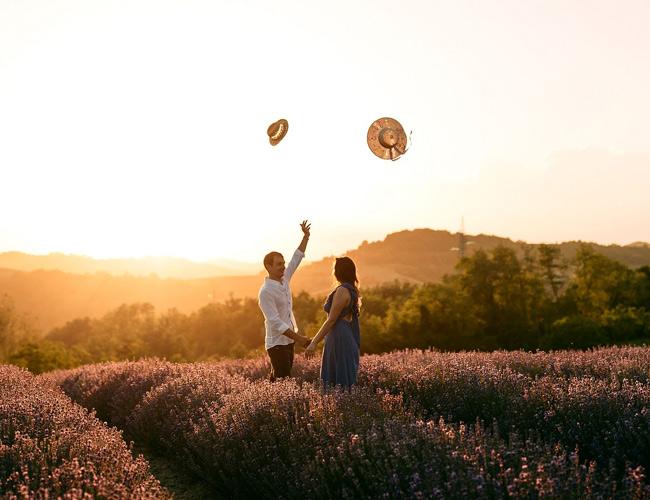 In questa foto la proposta di matrimonio di Andrea a Giorgia