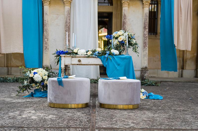 In questa foto toni dell'azzurro come il mare di Sicilia per questo particolare allestimento