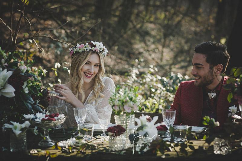 In questa foto un matrimonio nel bosco organizzato da OttoQuattro Eventi