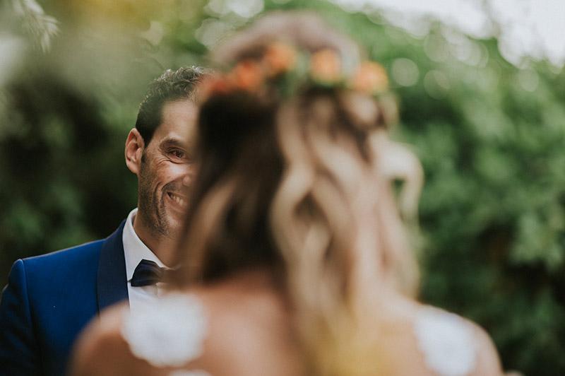 In questo scatto il primo sguardo tra gli sposi nel giorno delle loro nozze