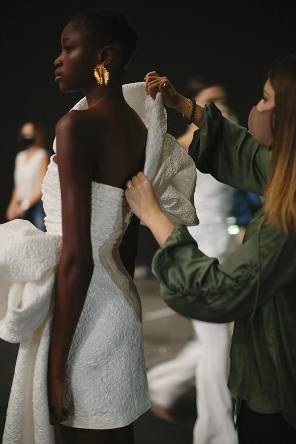 Una modella che sfilerà al BBFW Gala 2021