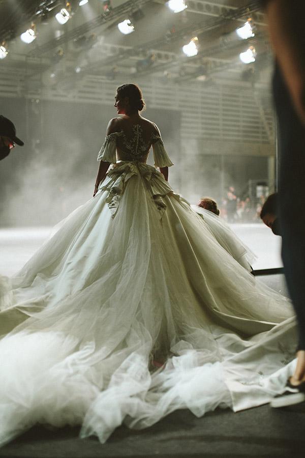 Una delle creazioni presentata all'ultima edizione della Barcelona Bridal Fashion Week