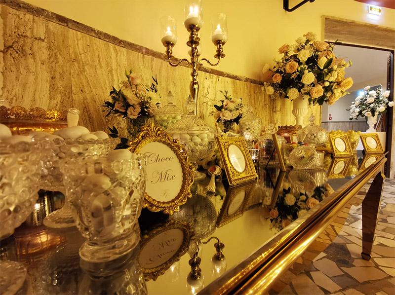 In questa foto lo Sweet Table delle nozze in teatro di Francesca Pittau