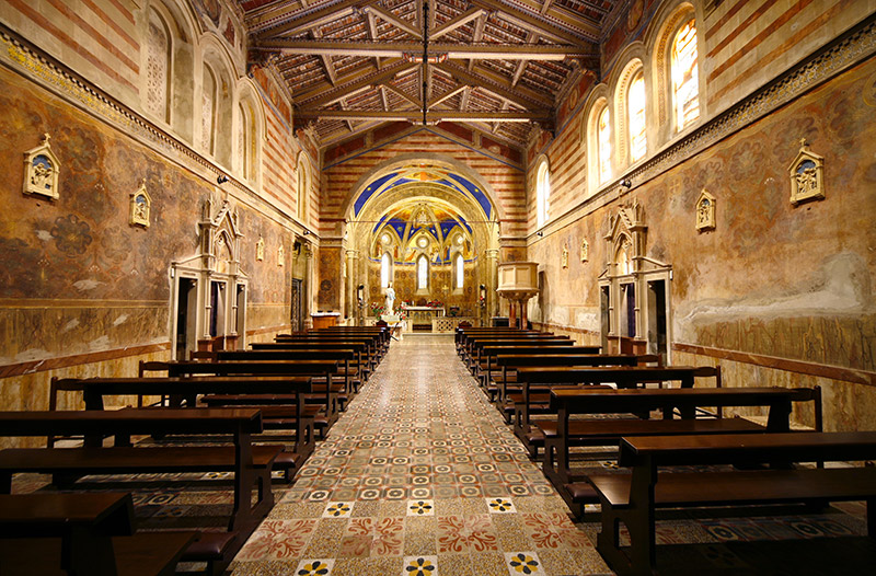 Chiesa di Santa Maria Assunta vicina a Spao Borgo San Pietro