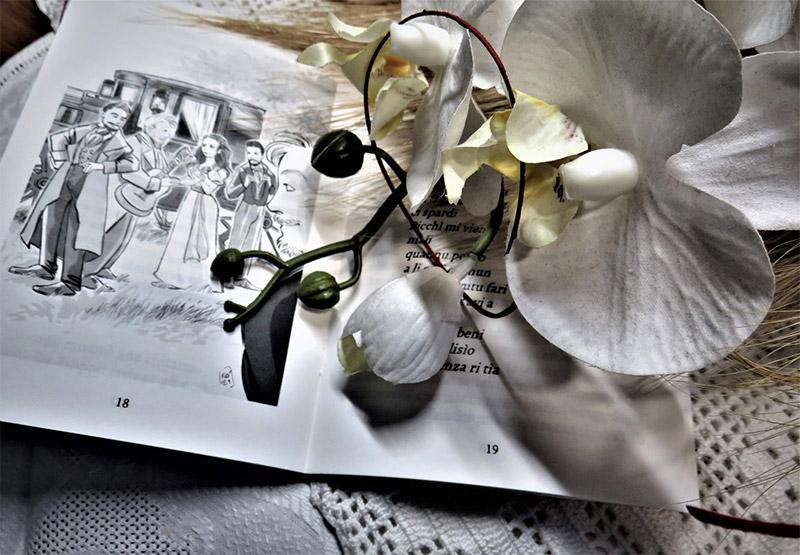 In questa foto pagina in bianco e nero di un libro curato da TIscriviAMO