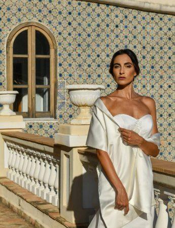 In questa foto un abito da sposa Palermo romantico di Benedetta Laboratorio Moda