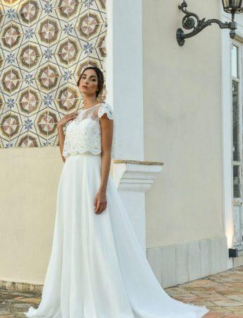 In questa foto un abito da sposa Palermo scivolato di Benedetta Laboratorio Moda
