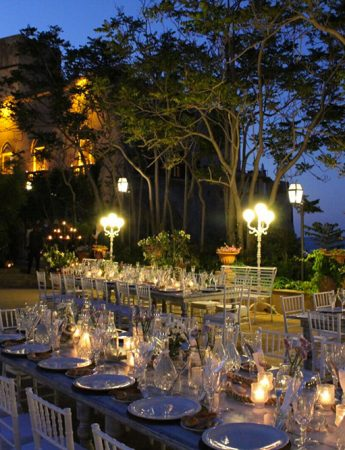 In questa foto il castello di Solanto illuminato durante le ore serali