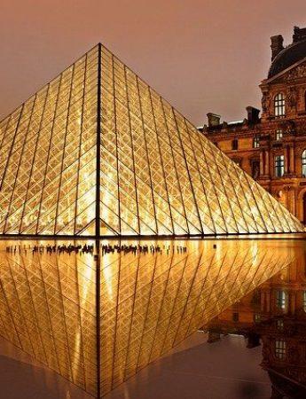 In questa foto viaggio di nozze a Parigi