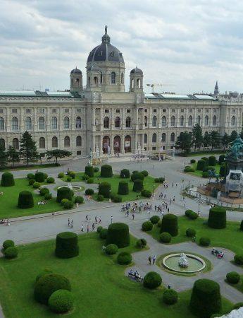 In questa foto Viaggio di nozze a Vienna