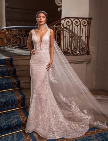 In questa foto un abito da sposa Palermo a sirena di Atelier Barbara