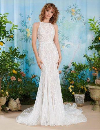 In questa foto un abito da sposa Palermo a sirena in pizzo Atelier Emè
