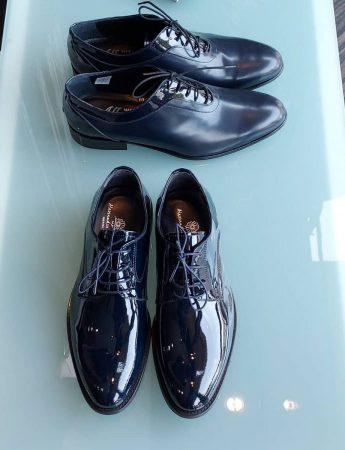 In questa foto delle eleganti calzature da abbinare agli abiti disponibili da Piepo Boutique Uomo