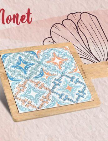 In questa foto un tagliere a tema maioliche, simpatica idea regalo disponibile al Covo del Gingillo, negozio bomboniere Catania