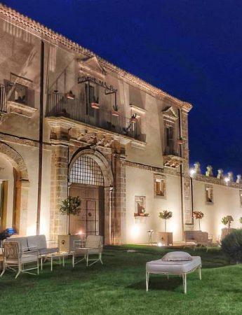 In questa foto la facciata di castello Camemi