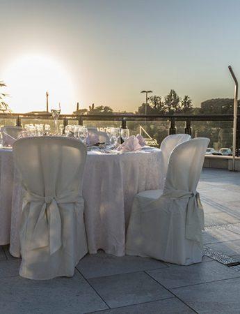 In questa foto uno spazio esterno di 4Spa Hotel al tramonto