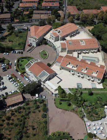 In questa foto il Grand Hotel Villa Itria vista dall'alto