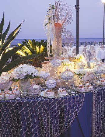 In questa foto un elegante ricevimento vista mare all'Hotel Santa Tecla