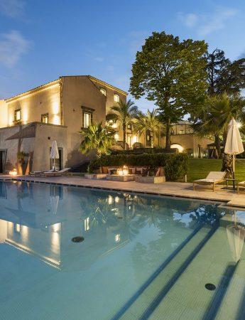 In questa foto la piscina di Relais San Giuliano