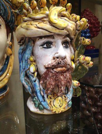 In questo scatto una testa di moro in vendita da Longo Joy