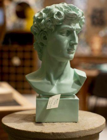 In questa foto un busto decorativo in vendita da Teypat