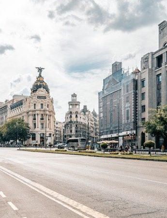 In questa foto viaggio di nozze a Madrid