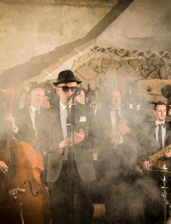 In questa foto Andrea Cantieri Swing & Rock 'n Roll Band