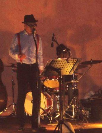 Andrea Cantieri Swing & Rock'n Roll Band durante un concerto live