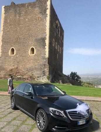 In questa foto una delle auto lussuose che è possibile noleggiare da Sicily Luxury Cars