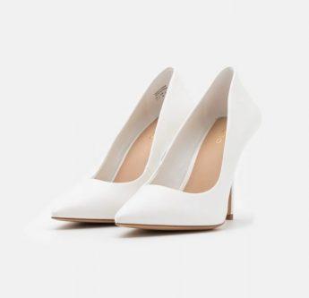 In foto scarpe da sposa chiuse con tacco alto Aldo