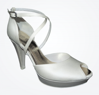 In questa foto scarpe da sposa open toe con cinturino incrociato Buttefly