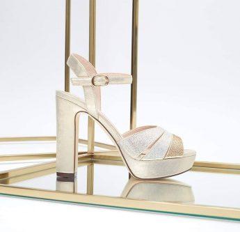 In questa foto scarpe sposa Palermo di Sophie Accessories con plateau e tacco largo