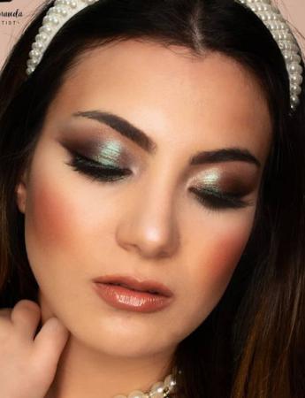 La foto di uno shooting con trucco realizzato dalla make-up artist Concetta Minauda